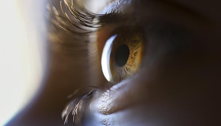 Conheça a síndrome da visão cansada e como evitá-la
